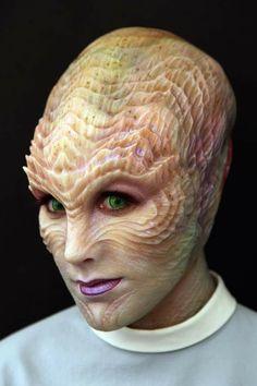 """Joel Harlow's amazing species designs for """"Star Trek Beyond"""" Makeup Fx, Alien Makeup, Movie Makeup, Scary Makeup, Body Makeup, Alien Character, Character Makeup, Special Makeup, Special Effects Makeup"""