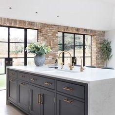 Kitchen Interior, Kitchen Decor, Kitchen Design, Kitchen Ideas, Room Kitchen, Updated Kitchen, New Kitchen, Humphrey Munson, Open Plan Kitchen Living Room
