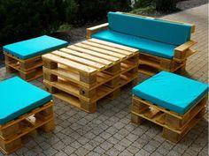Набор из паллет: стол+диван+пуфы