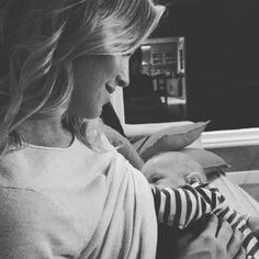 Luisana Lopilato Shares Breastfeeding Photo…