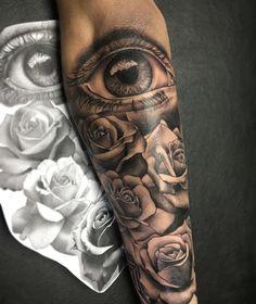 Rosas com olho tattoo