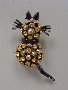 Figural Amber Rhinestone CAT Pin with Trembler Tail - Japanned - Unsigned Beauty Costume Jewelry Sets, Cat Pin, Cat Jewelry, Vintage Designs, Amber, Clock, Cats, Ebay, Watch
