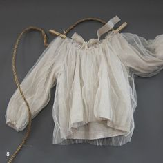 blouse..