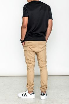 - Denim and twill blend jogger in khaki - Stretch waist - Multiple pocket construction - Ribbed cuffs for a snug fit - Regular fit around waist - Regular fit through legs Jogger Pants Outfit, Mens Jogger Pants, Men Trousers, Fashion Joggers, Tomboy Fashion, Fashion Outfits, Cool Outfits, Casual Outfits, Men Casual
