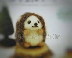 Diy Needle felting kit - Cute hedgehog, wool with needle, easy, keychain charm, craft felt kit tool, beginner, id1360100 gift for diyers