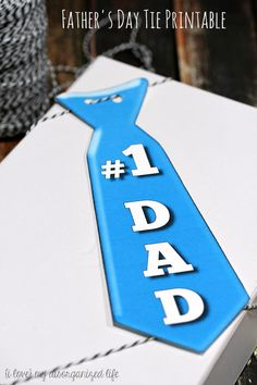 This fun Father's Day tie printable is perfect for topping Father's Day gifts and even for dad to wear on his special day! FREE Father's Day printable here! Gifts For Teens, Kids Gifts, Gifts For Dad, Fathers Day Gifts, Diy Father's Day Gifts Easy, Father's Day Diy, Father's Day Printable, Free Printables, Fathers Day Banner