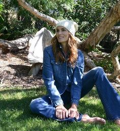 'Gettin' cozy for this Malibu winter,' Cindy Crawford, wrote of a photo she shared wearing a soft, knitted beanie cap, which contrasted in style from her warmer climate denim outfit Double Denim Looks, Teaching Shirts, Winter Teacher Outfits, Levi Denim Jacket, Denim Jackets, Cindy Crawford, Female Girl, Curvy Outfits, Denim Outfit