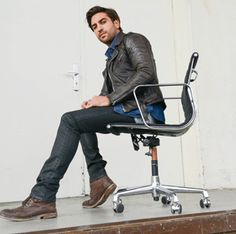 http://www.absolut-karriere.de/interviews/elyas-mbarek/