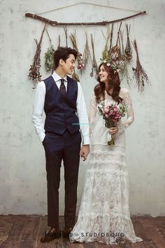 View photos in Bong Studio 2018 Sample (NEW). Pre-Wedding photoshoot by Bong Studio, wedding photographer in Seoul & Jeju Island, Korea. Wedding Ceremony Ideas, Wedding Poses, Wedding Shoot, Wedding Couples, Dream Wedding, Backdrop Wedding, Wedding Beauty, Rose Wedding, Party Wedding