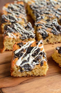 Delicious Cookies and Cream Oat Bites with a white chocolate drizzle - enjoy 4 of these for 1 Healthy Extra B and 6 syns. Remember the healthy apple and sultana oat bites I posted the Slimming World Desserts, Slimming World Recipes Syn Free, Healthy Eating Recipes, Healthy Desserts, Cooking Recipes, Healthy Meals, Apple Recipes, Cake Recipes, Slimming Eats