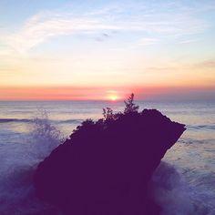 "@Friend in Fashion's photo: ""Big waves & beautiful vantage points """