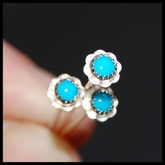 Hey, I found this really awesome Etsy listing at https://www.etsy.com/listing/72165413/flower-nose-stud-southern-belles-in