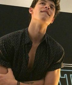 BREAKING NEWS: Shawn Mendes tries to kill the Mendes Army with this photo