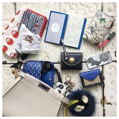 What's in my bag? #wimb#whatsinmybag…