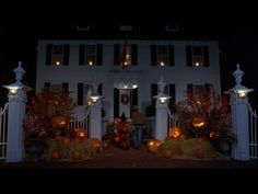 Colonial style house decked out for Halloween. Another great way to decorate your house for Hocus pocus themed Halloween party Best Halloween Movies, 31 Days Of Halloween, Halloween Images, Halloween Night, Fall Halloween, Halloween Crafts, Happy Halloween, Halloween Decorations, Haunted Halloween