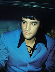 Elvis Presley photographed in the back seat of his car in Los Angeles, CA on Monday, April 14, 1969. Charlie Hodge sits beside him. (Thnx to Patrik Ahlgren who shared this great photo in the ELVIS PICTURES group on https://www.facebook.com/groups/elvisdpictures/permalink/1445407558888752/)