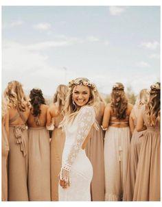 Wedding Picture Poses, Wedding Photography Poses, Wedding Poses, Wedding Photoshoot, Wedding Dresses, Mehendi Photography, Couple Photography, Photography Ideas, Wedding Ideas