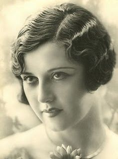 1920's hairstyles - the fingerwave