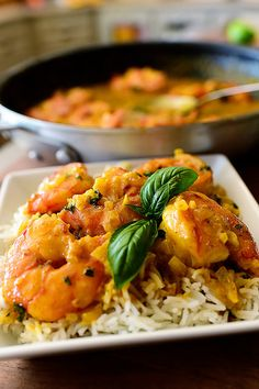 Coconut Curry Shrimp One of my favorite curry dishes. Takes almost no time to make! - Coconut Curry Shrimp by Ree Drummond / The Pioneer Woman Fish Recipes, Seafood Recipes, Indian Food Recipes, Asian Recipes, Dinner Recipes, Cooking Recipes, Healthy Recipes, Healthy Eats, Croatian Recipes