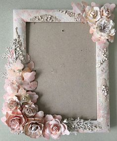 3 DIY Ways to Make Unique Crafty Photo Frames Stay tuned with us for more quality diy art and craft videos. 3 DIY Ways to Make Unique Crafty Photo Frames Tod. Photo Frame Decoration, Picture Frame Crafts, Photo Frame Ideas, Decorate Picture Frames, Photo Frames Diy, New Photo Frame, Cadre Photo Diy, Diy Photo, Photo Art