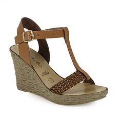 Πλατφόρμες πέδιλα με πλεκτό λουρί Wedges, Shoes, Fashion, Moda, Zapatos, Shoes Outlet, Fashion Styles, Shoe, Footwear