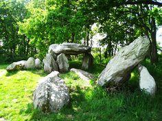 http://michelrouvere.over-blog.com/2017/10/monuments-megalithiques-d-europe-suite.html