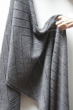 Ravelry: Otter's Wake Wrap pattern by Leslie Weber