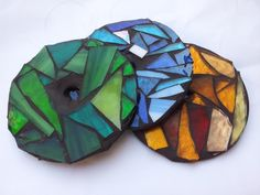 Mosaic Glass With Recycled Cd's Recycled Electronic Waste Recycled Glass As a glass artist, I have a lot of glass Cd Mosaic, Mosaic Glass, Stained Glass, Recycled Cds, Recycled Crafts, Repurposed, Cd Crafts, Arts And Crafts, Spool Crafts