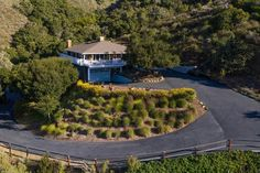 $1765000 - 27 La Rancheria, Carmel Valley 93924 - 4 beds / 3 baths #monterey #montereyhomes #montereyrealestate #montereyrealtor #93924 #Carmel Valley #montereyProperties Perfectly perched just above the trees, this home is situated in one of Carmel Valleys most coveted neighborhoods, La Rancheria. Featuring 2775 SQ FT, 4 bedrooms and 3 full baths and a separate office/study. This home offers the perfect combination of casual Carmel Valley living in a sophisticated setting. Enjoy… Monterey Park, Monterey County, California Real Estate, California Homes, Real Estate Houses, Estate Homes, Golf Estate, Viking Appliances, Monterey California