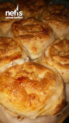 Gorgeous Rose Pastry with Creamy Soda - Delicious Recipes Pasta Cake, Pastry Recipes, Turkish Recipes, Cheesecakes, Scones, Apple Pie, Tart, Food And Drink, Yummy Food