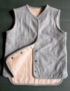 Rhonda's Creative Life: Thrifty Thursday/Free Vest Pattern