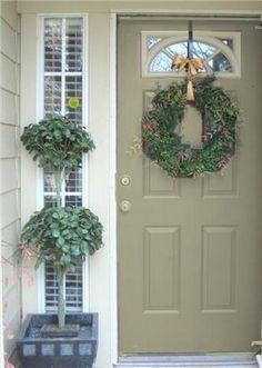 Ideas front door colors with tan house green shutters benjamin moore Green Front Doors, Grey Doors, Painted Front Doors, Front Door Colors, Black Doors, Door Paint Colors, Exterior Paint Colors, Tan House, Green Shutters
