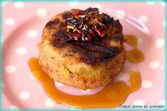 Petits gâteaux renversés aux pommes et aux noix caramélisées - https://www.quelquesgrammesdegourmandise.com/petits-gateaux-renverses-aux-pommes-aux-noix-caramelisees/
