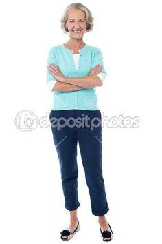 Descargar - Anciana en ropa casual posando con confianza — Imagen de stock #39668543