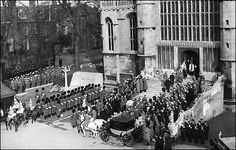 Three Queens and a Funeral: King George VI is Buried