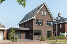 Style At Home, Best Modern House Design, Brick, New Homes, Stairs, Cabin, Colours, Mansions, Living Room