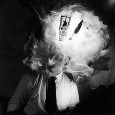 """Biografia e obras de Fernando Lemos Informações sobre o artista português Fernando Lemos Veja também: Exposição de Fernando Lemos """"Medo-a-Medo"""" José Fernandes de Lemos nasce em Lisboa, em maio de 1926. Estuda na Escola Nacional de Belas Artes, e no final da década de 1940, interessa-se pela fotografia. Em janeiro …"""