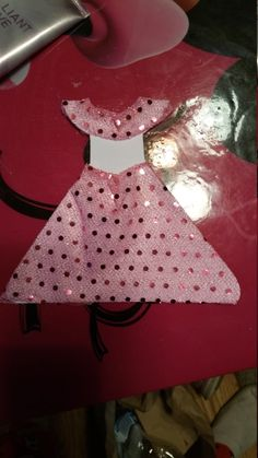 Check out this item in my Etsy shop https://www.etsy.com/listing/269537557/very-cute-princess-invitations-set-of-10