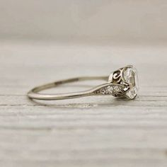 Exquisite Vintage Wedding Ring. The thin band, the filigree, it's perfect!