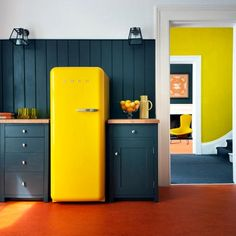 Colored Refrigerators For A Vintage Kitchen Decor | CREATIVE IN HOME