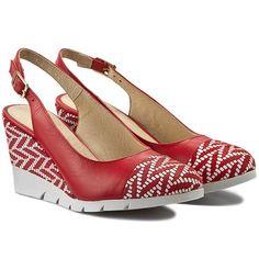 Sandały BUT-S - J348-CL3-0E0 Czerwony