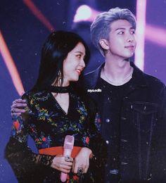 Namjoon x Jisoo Kpop Couples, Cute Couples, Bts Girl, Blackpink And Bts, Wattpad, Pop Idol, Together Forever, Iphone Wallpaper Pinterest, Best Couple