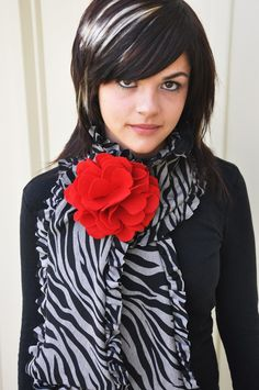 Tutorial: The Mama Ruffle Scarf - Living with Punks (Made with knit fabric, will use woven instead)
