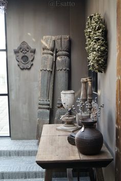Beautiful atmosphere at Esatto. Fresco lime paint from Pure & Original on the walls. Fresco, Vintage Decor, Rustic Decor, Cosy Living, Lime Paint, Natural Living, Shabby, Belgian Style, Paint Color Schemes