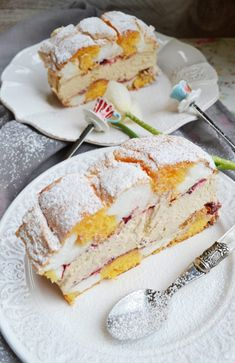 Our pastry dream! Kardinalschnitte Oh our beloved cardinal cuts! This sweet … - Austrian Desserts, Austrian Recipes, Austrian Food, Delicious Desserts, Dessert Recipes, Yummy Food, Easy Baking Recipes, Cooking Recipes, Torte Recipe