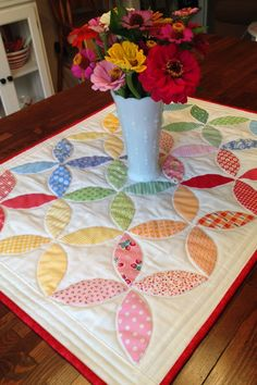 Orange Peel Quilt Along http://www.pleasant-home.com/2014/08/orange-peel-quilt-along.html