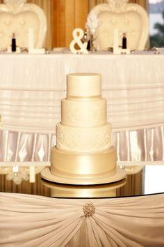 48 Eye-Catching Wedding Cake Ideas. http://www.modwedding.com/2014/02/07/46-eye-catching-wedding-cake-ideas/ #wedding #weddings #cakes