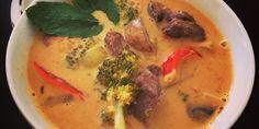 Thaisuppe med oksekød i tern