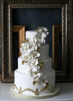 Gold Wedding Cakes gold and white wedding cake - Amazing Caketress Wedding Cakes. We all have seen food that is so amazing that you just want to admire it. Well, Caketress wedding cakes out of Toronto, Canada are works of art. They are so stunning Big Wedding Cakes, Amazing Wedding Cakes, Elegant Wedding Cakes, Wedding Cake Designs, Creative Wedding Cakes, Floral Wedding, Elegant Cakes, Garden Wedding Cakes, Purple Wedding