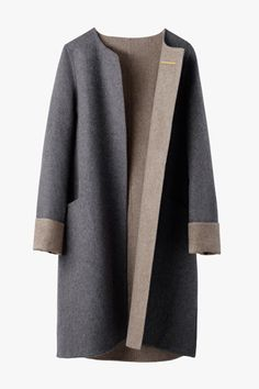 The Italian Wool Cashmere Coat Cuyana Cashmere Coat, Outerwear Women, Fashion Outfits, Womens Fashion, Winter Coat, Coats For Women, Winter Fashion, My Style, Gray Coat